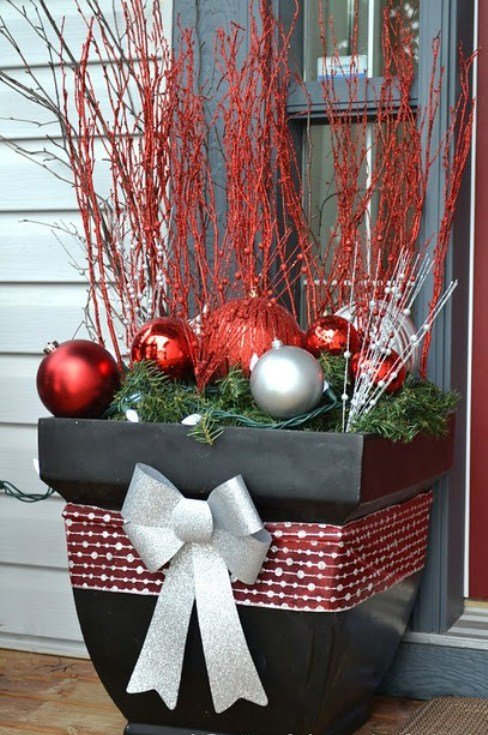 cool-outside-christmas-decorations-18