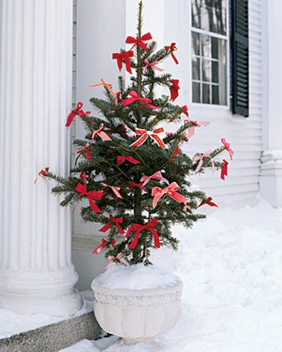 cool-outside-christmas-decorations-24-554x692