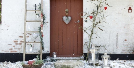 cool-outside-christmas-decorations-8-554x282