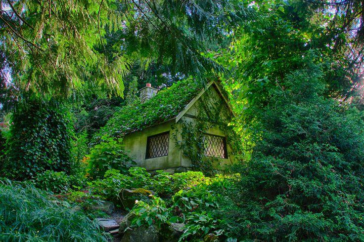 1-fairy-tale-cottage
