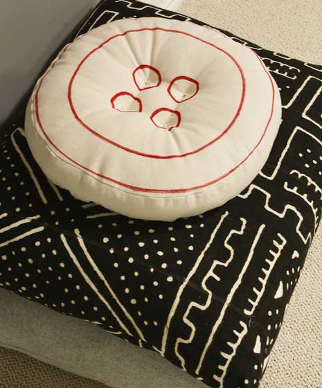 DIY button pillow