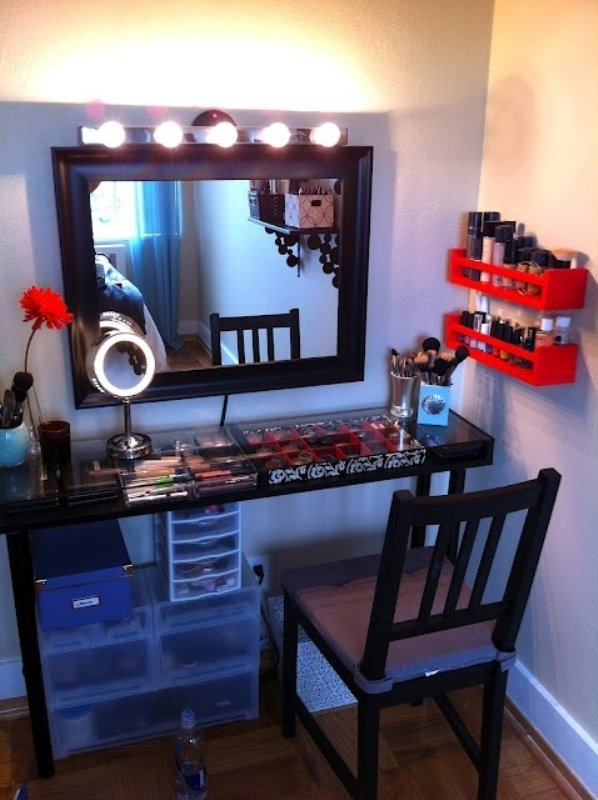 10 diy dressing table ideas world inside pictures. Black Bedroom Furniture Sets. Home Design Ideas