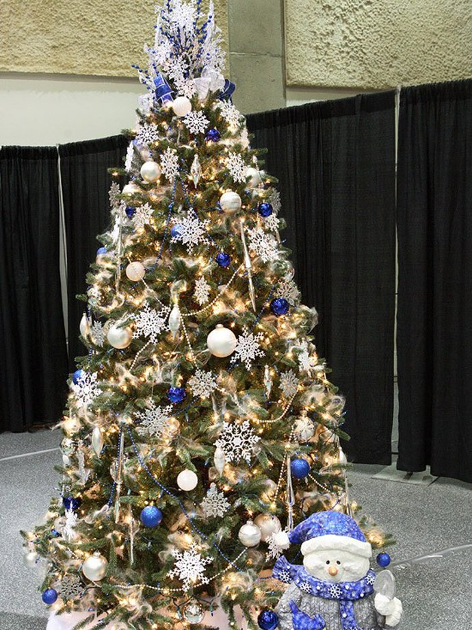 Beautiful Christmas Decorations Tree Decoration Ideas.34 Beautiful Christmas Tree Decorating Ideas World Inside