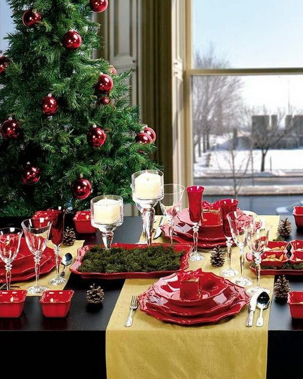Modern-Christmas-Table-Decorations-for-2012_13