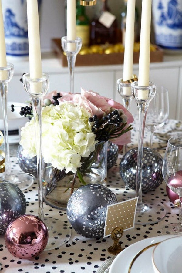 Modern-Christmas-Table-Decorations-for-2012_30