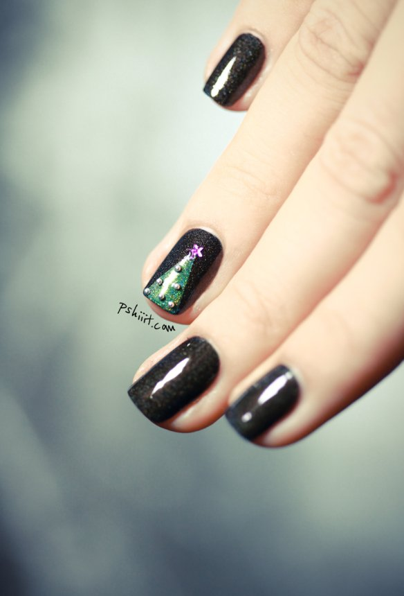 christmas-tree-nail-art