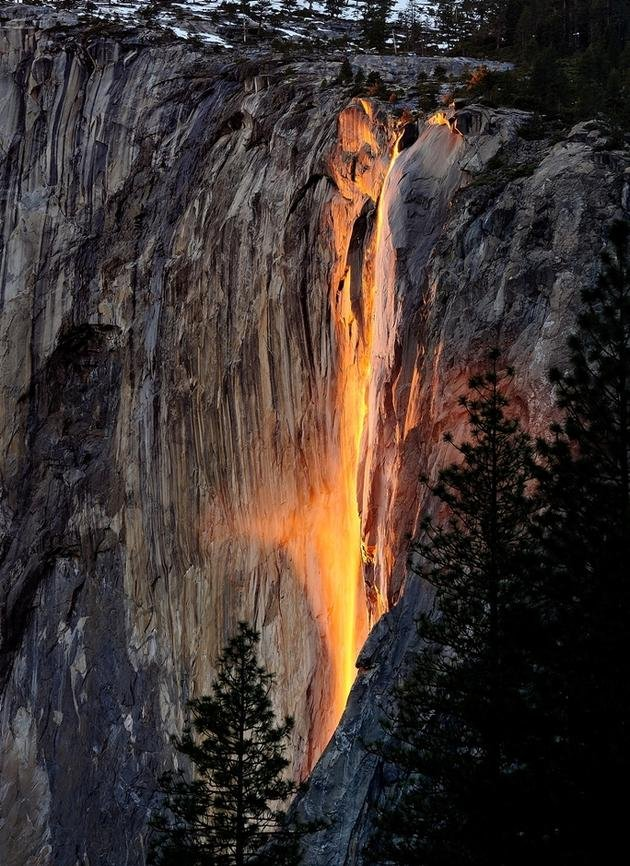 Horsetail-Falls-Yosemite-National-Park-California