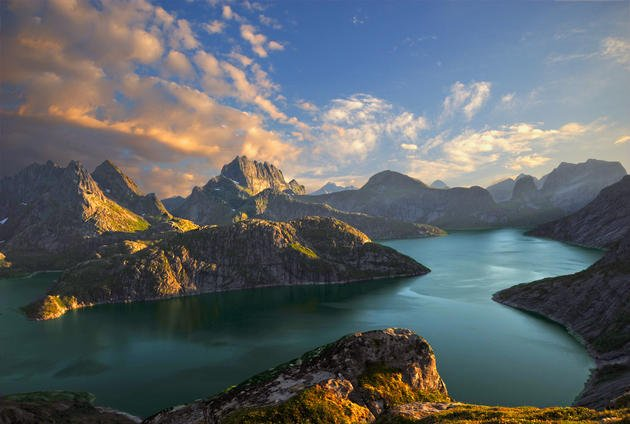 Lake_Solbjornvannet_by_steinliland (1)