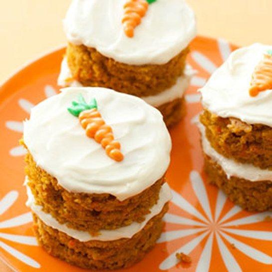 6-63542-mini-carrot-cake-1393980582