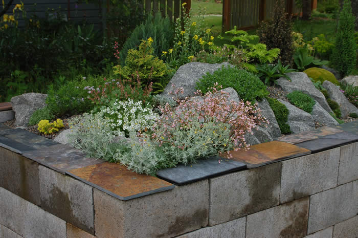 Fantastic Way To Beautify Your Garden - Make a Raised Bed ...