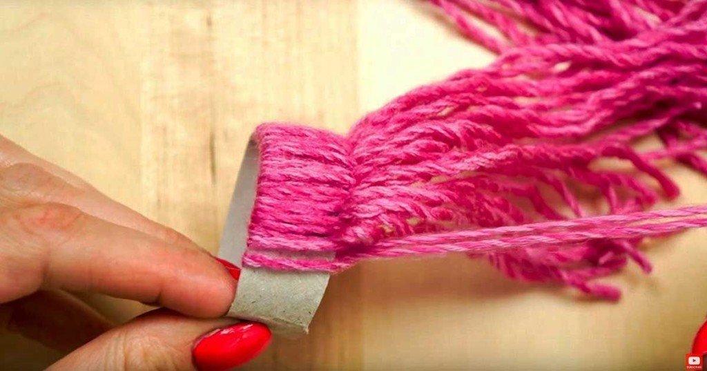 diy yarn Christmas
