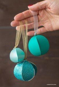 DIY paper Christmas balls