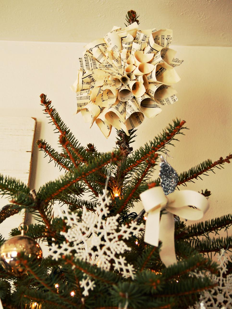 Mesmerizing Diy Christmas Tree Toppers For A Perfect