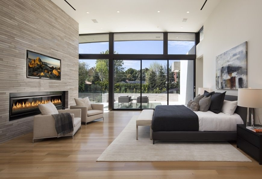 master bedrooms with sitting areas