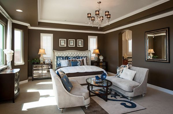master bedrooms with sitting area