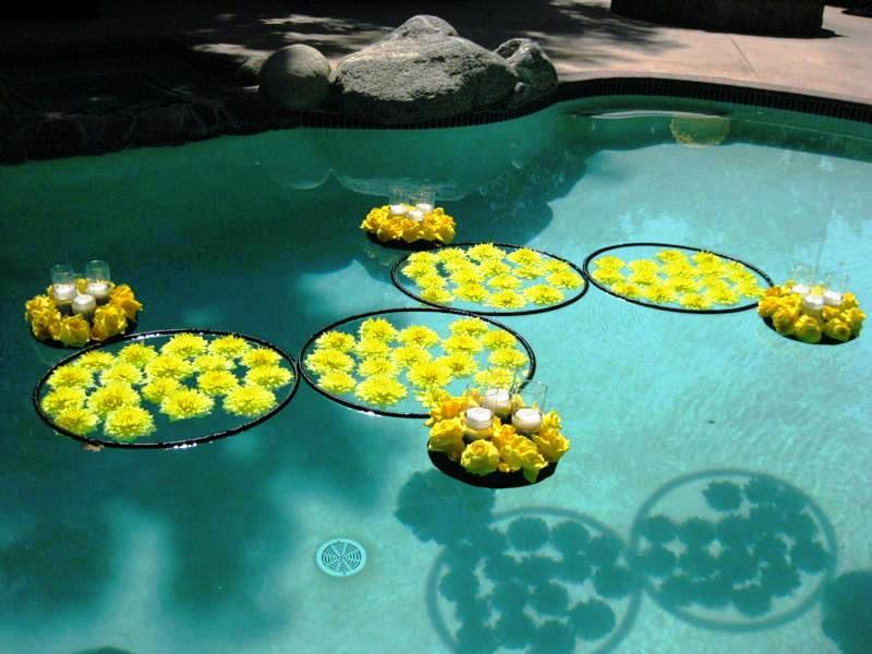 outdoor wedding pool decorations