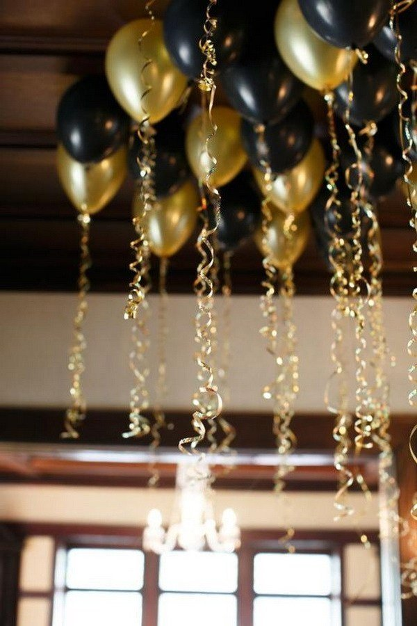 ceiling balloons decoration