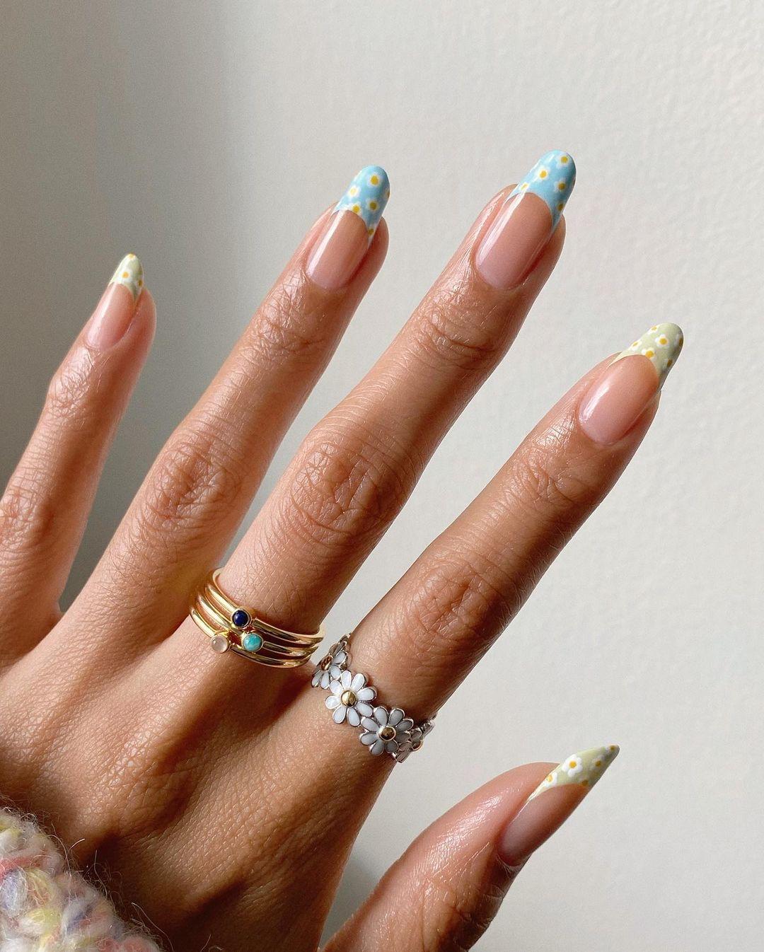 floral manicure ideas