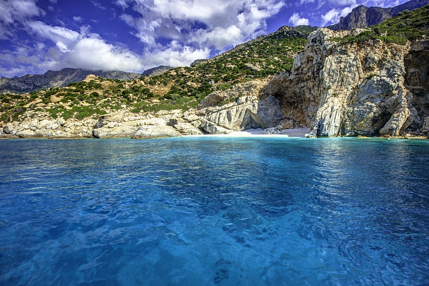 where to go on vacation in greece