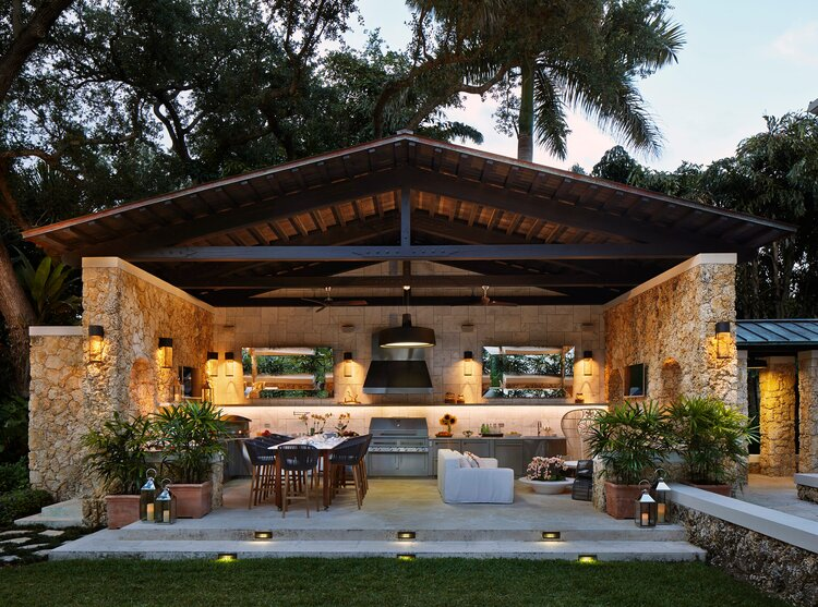 covered outdoor kitchen structures